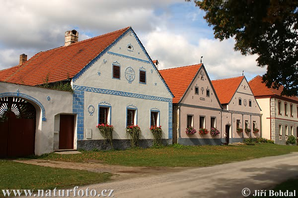 Folk Architecture - Holasovice (Arch)