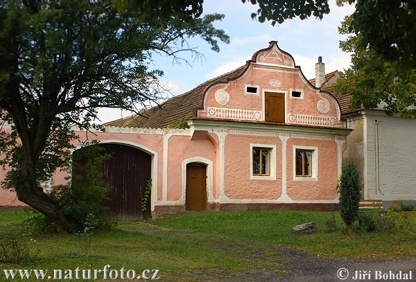 Folk Architecture - Male Chrastany