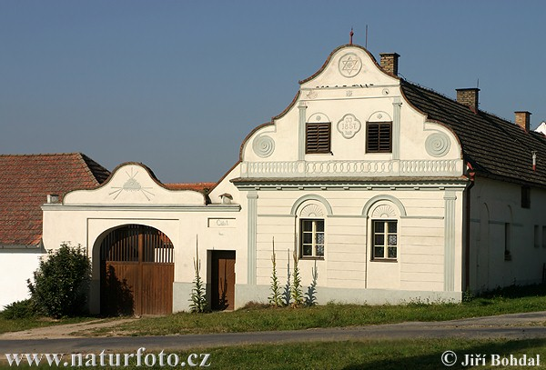 Folk Architecture - Plastovice (Arch)