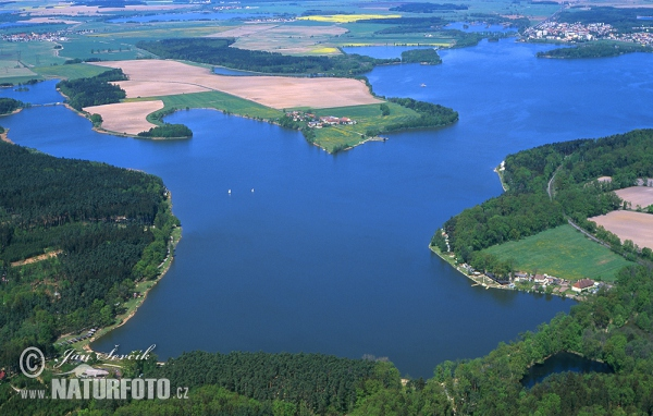 Bezdrev fishpond (AIR)