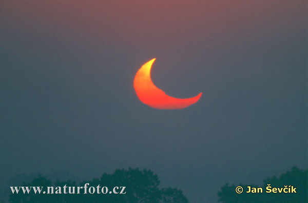eclipse of the sun 2003