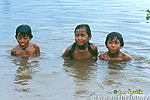 childern in the Orinoco Delta
